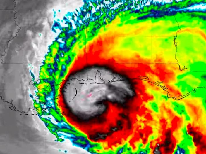 """An infrared image of Hurricane Sally off the US Gulf Coast on September 15, 2020. <p class=""""copyright"""">Tropical Tidbits</p>"""