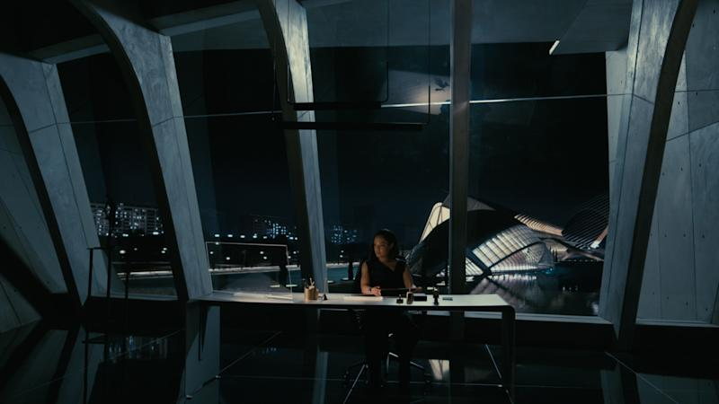 Charlotte Hale (played by Tessa Thompson) at the Delos Corporation headquarters, which was filmed at Calatrava's City of Arts and Sciences in Valencia, Spain.