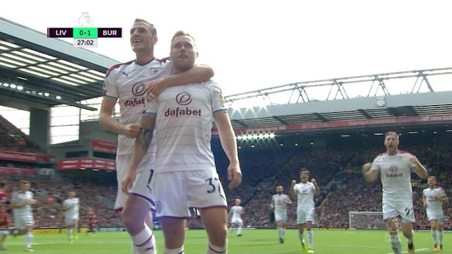 <p>The ball falls to Burnley's Scott Arfield who scores with a first-time shot to make it 1-0 against Liverpool. </p>