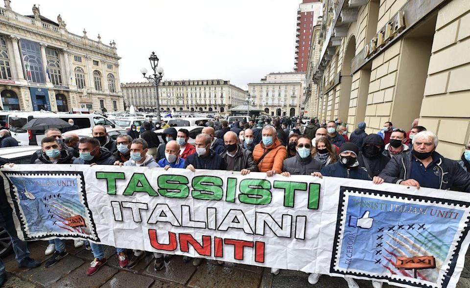 Tassisti a Torino (Photo: ANSA)