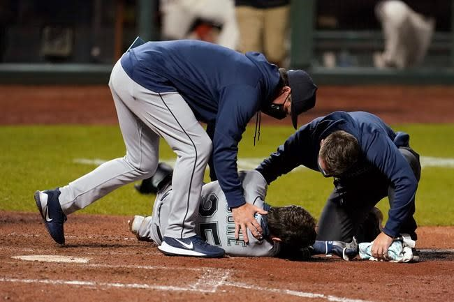 Mariners' Moore placed on concussion list, out for season
