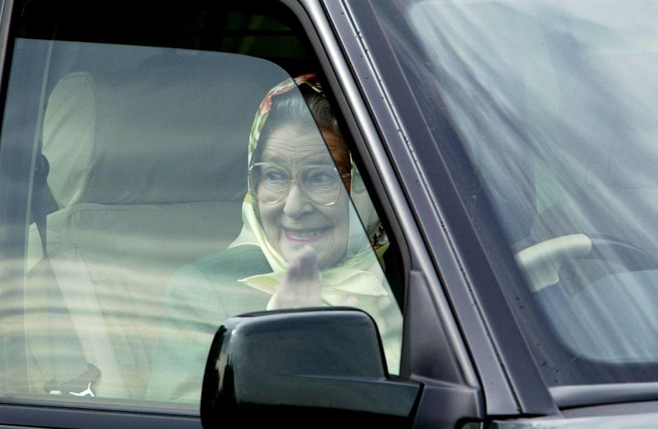 <p>Looking excited, the Queen drove her Range Rover after watching Prince Philip perform well at the Royal Windsor Horse Show. <br></p>