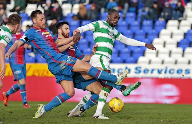 "Football Soccer - Inverness Caledonian Thistle v Celtic - Ladbrokes Scottish Premiership - Tulloch Caledonian Stadium - 29/11/15 Inverness Caledonian Thistle's Gary Warren (L) and Ross Draper (2nd L) in action with Celtic's Carlton Cole Action Images via Reuters / Graham Stuart Livepic EDITORIAL USE ONLY. No use with unauthorized audio, video, data, fixture lists, club/league logos or ""live"" services. Online in-match use limited to 45 images, no video emulation. No use in betting, games or single club/league/player publications. Please contact your account representative for further details."