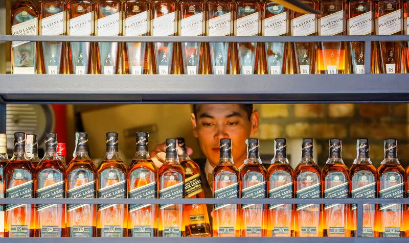 Diageo tempers sales growth expectations amid trade uncertainties