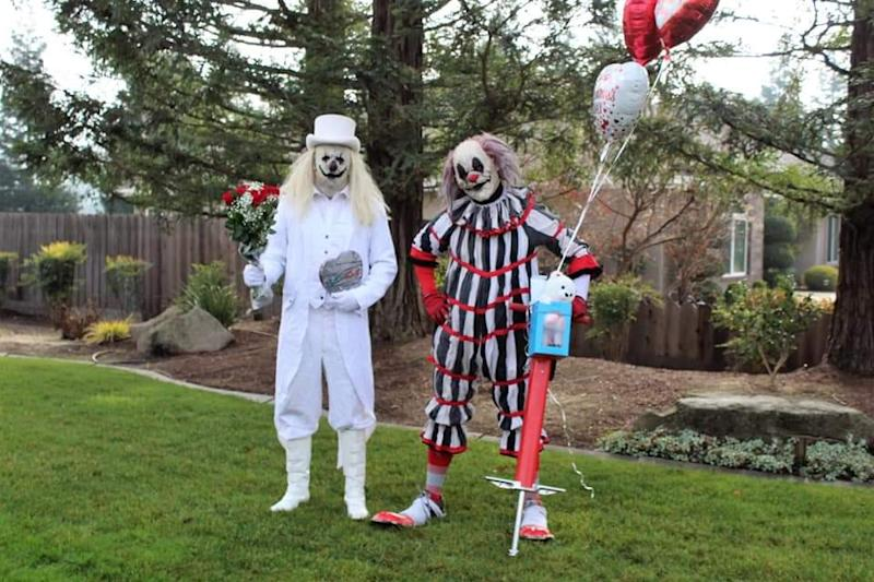 Blanco and Peddles are two of the clowns delivering balloons and bouquets on Valentine's Day. (Photo: Courtesy of Ranch of Horror)
