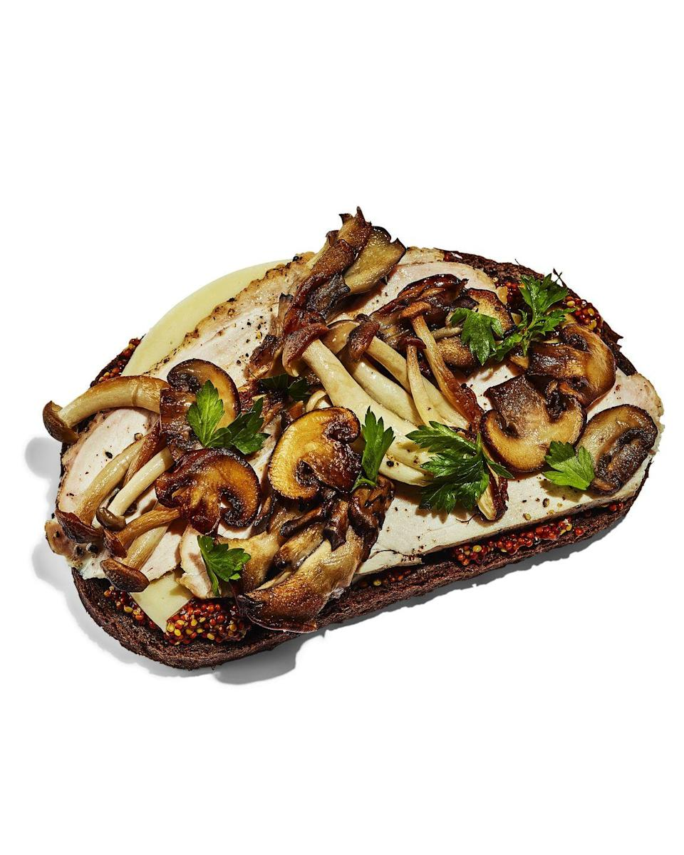 <p><strong>BREAD:</strong> 4 slices pumpernickel</p><p><strong>SPREAD:</strong> 2 Tbsp grainy Dijon mustard</p><p><strong>TOPPING:</strong> 2 slices provolone cheese + 1 cup sauteed mushrooms + ⅓ cup parsley</p>