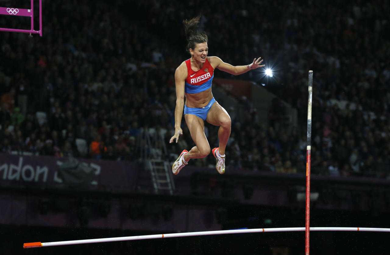 Russia's Yelena Isinbayeva reacts as she fails to clear the bar in the women's pole vault final during the London 2012 Olympic Games at the Olympic Stadium August 6, 2012.                  REUTERS/Phil Noble (BRITAIN  - Tags: SPORT ATHLETICS OLYMPICS TPX IMAGES OF THE DAY)