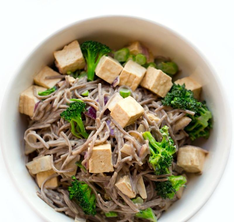 """<a href=""""https://healthyhappylife.com/peanut-soba-noodle-bowl/"""" target=""""_blank"""" rel=""""noopener noreferrer""""><strong>Get the Easy 3-Step Peanut Soba Noodle Bowl with Tofu and Broccoli recipe from Healthy Happy Life.</strong></a>"""