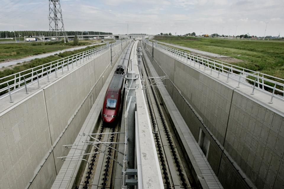 <b>HSL 1, Belgium</b> runs at a speed of 300 km/h (186 mph). It is a Belgian High speed rail line from Brussels to LGV Nord. (AFP Images)