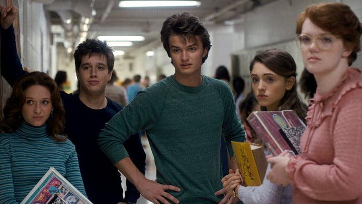 stranger-things-102_006r-2-1500x844