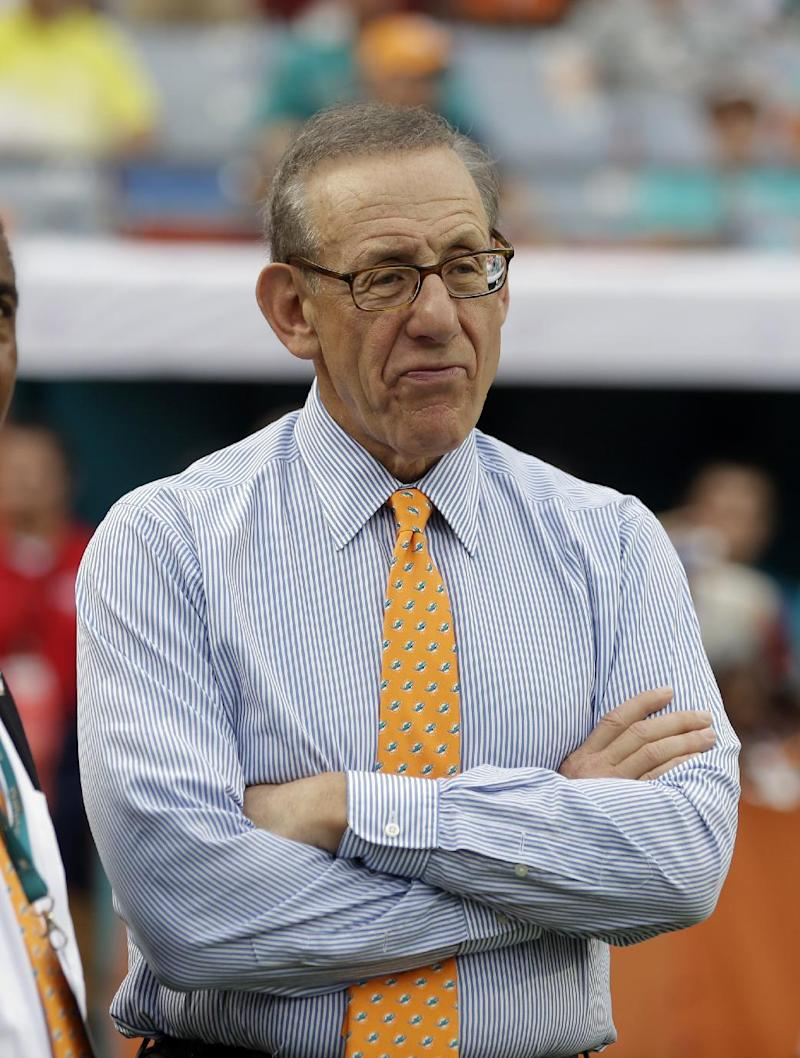 AP source: Dolphins owner will pay for renovations