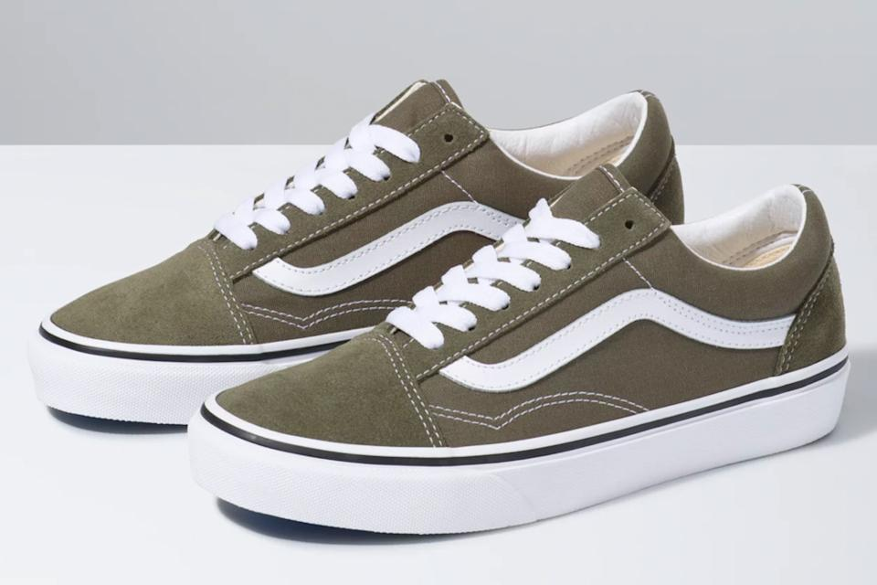 green, sneakers, white, suede, vans