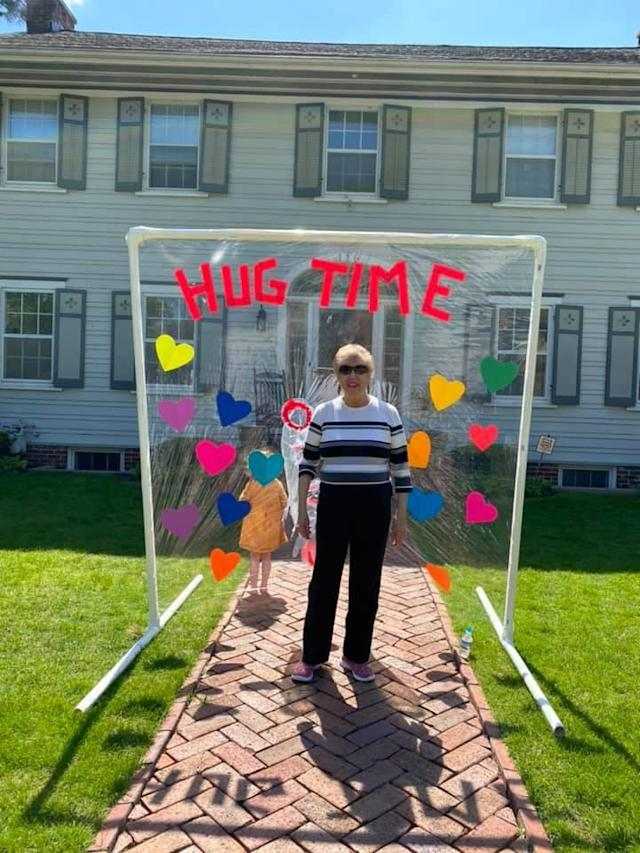 """Carly Marinaro (not pictured) built a """"Hug Time"""" structure so her grandmother Rose Gagnon could hug her great-grandchildren. (Photo: Facebook/Carly Marinaro)"""