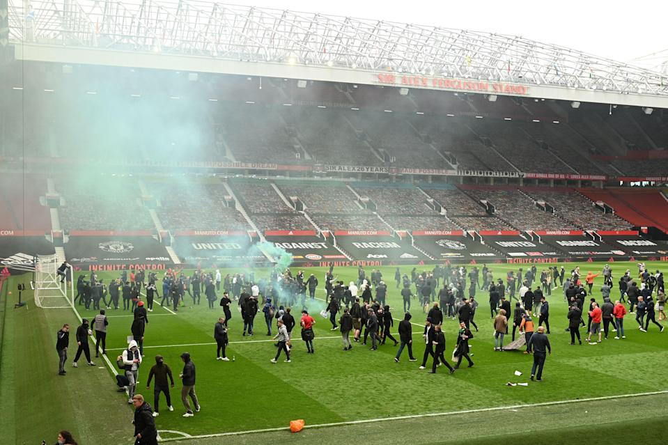 Supporters protest against Manchester United's owners (AFP)