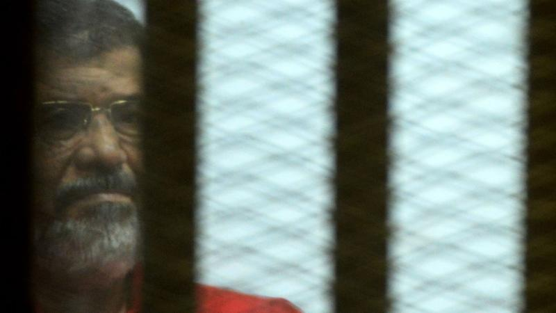 Egypt's ousted president Morsi dies after collapsing in court
