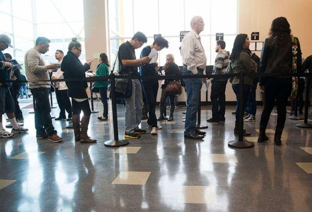 PHOTO: People stand in line at a DMV office in Stanton, Calif, on Jan. 10, 2015. (MediaNews Group via Getty Images, FILE)