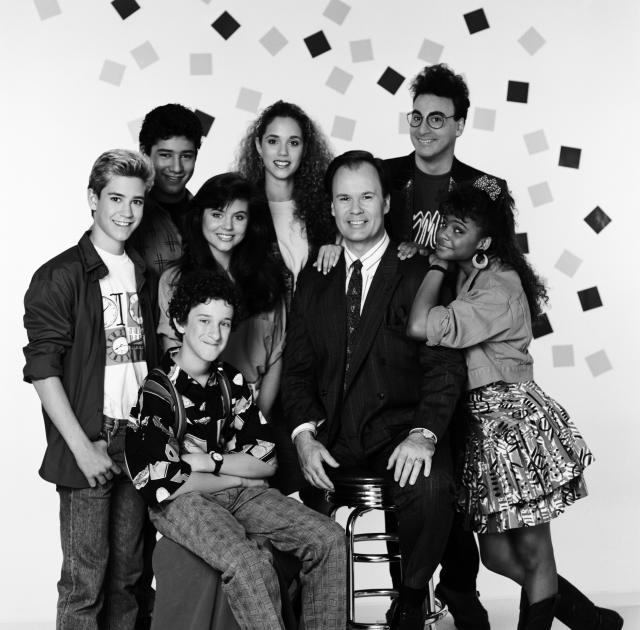 Ed Alonzo, top right, and the rest of the cast of <i>Saved by the Bell</i> in a publicity photo taken for the show's first season. (Photo: Alice S. Hall/NBCU Photo Bank)