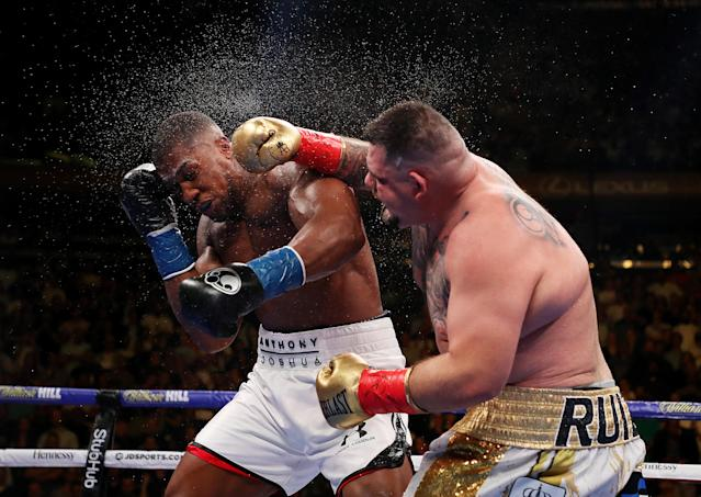 Andy Ruiz Jr punches Anthony Joshua. (Credit: Getty Images)