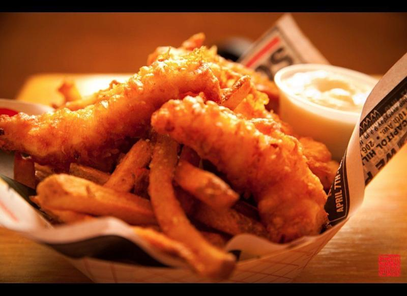 "<a href=""http://www.gogobot.com/pike-street-fish-fry-seattle-restaurant"" target=""_hplink"">This tiny Capitol Hill neighborhood eatery</a> features fries that are hand-sliced and fried to perfection."