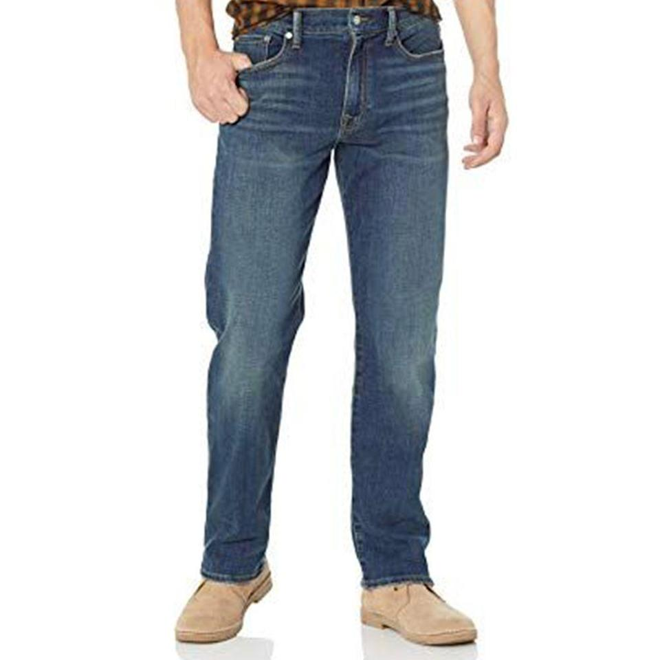 """<p><strong>Lucky Brand</strong></p><p>amazon.com</p><p><a href=""""https://www.amazon.com/dp/B07GWT5R4X?tag=syn-yahoo-20&ascsubtag=%5Bartid%7C2139.g.36477804%5Bsrc%7Cyahoo-us"""" rel=""""nofollow noopener"""" target=""""_blank"""" data-ylk=""""slk:BUY IT HERE"""" class=""""link rapid-noclick-resp"""">BUY IT HERE</a></p><p><del>$99.00</del><strong><br>$69.30 </strong></p><p>A straight-leg pair of jeans will give you that relaxed look you're going for while still providing structure, thanks to the slightly tapered ankle. </p>"""