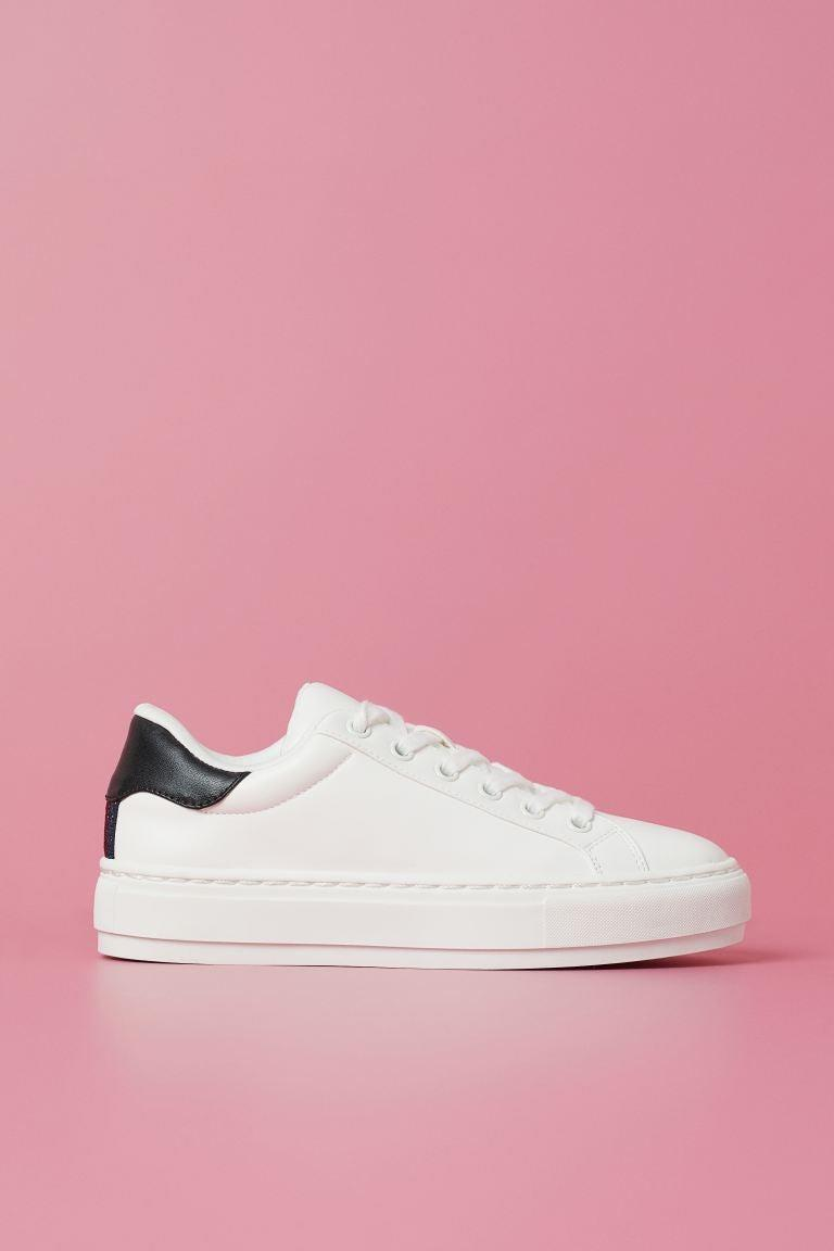 "<br><br><strong>H&M</strong> Sneakers, $, available at <a href=""https://go.skimresources.com/?id=30283X879131&url=https%3A%2F%2Fwww2.hm.com%2Fen_us%2Fproductpage.0889712001.html"" rel=""nofollow noopener"" target=""_blank"" data-ylk=""slk:H&M"" class=""link rapid-noclick-resp"">H&M</a>"