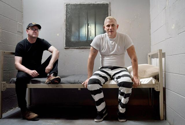 Steven Soderbergh and Daniel Craig on the set of <em>Logan Lucky.</em> (Photo: Claudette Barius/Fingerprint Releasing/Bleecker Street/Amazon/Courtesy Everett Collection)