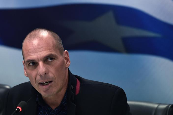 Greek Finance Minister Yanis Varoufakis called for a 'New Deal' to boost economic growth across Europe during a ceremony in Athens, on January 28, 2015 (AFP Photo/Aris Messinis)