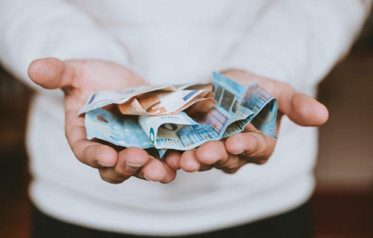 Best Money Saving Tips According to Experts
