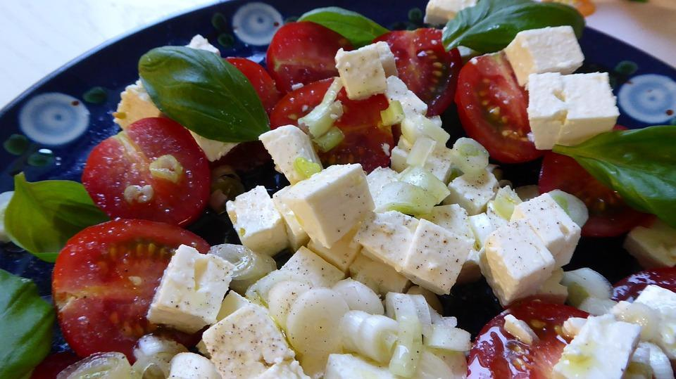 <p>As a vegetarian, Paneer (Cottage Cheese) is an integral part of my diet and my go to food. But how do you eat Paneer at 6pm on a hot summer day? Let me tell you how I do it. I take a couple of cubes of Paneer and marinate it in the sauce of my choice (like a paneer tikka marination or Szechuan/Schezwan sauce) for about 20-25 minutes. Then I slowly cook it in the pan for about 5-7 minutes till the Paneer turns a little brown. Add salt and flavouring to taste and enjoy this yummy preparation! </p>