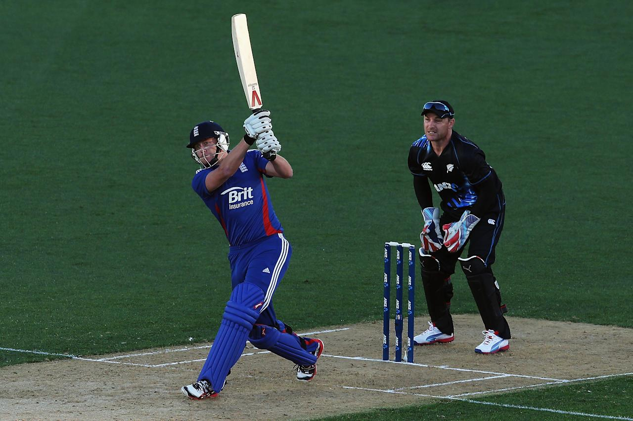 AUCKLAND, NEW ZEALAND - FEBRUARY 09: Jonny Bairstow of England hits the ball away fro six runs during the 1st T20 International between New Zealand and England at Eden Park on February 9, 2013 in Auckland, New Zealand.  (Photo by Hannah Johnston/Getty Images)