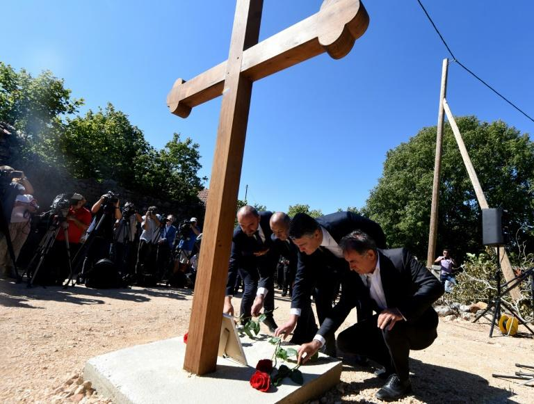 Croatian leadership pays first homage to Serb war victims in Grubori