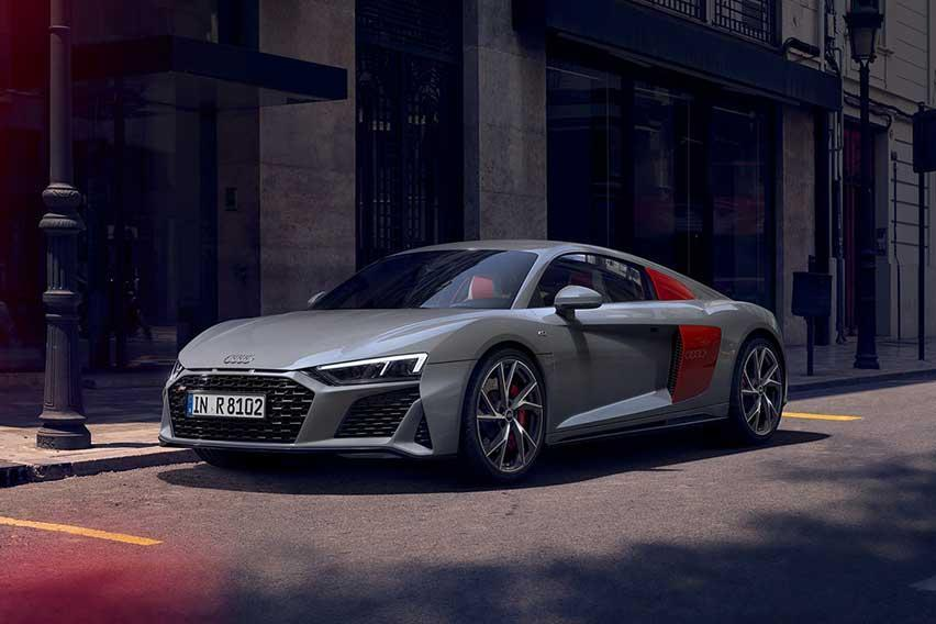 audi-r8-coupe-feature