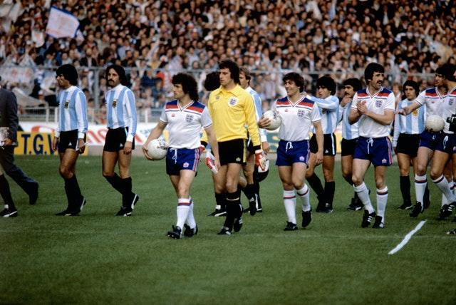Kevin Keegan (centre) was a team-mate of Clemence for both club and country
