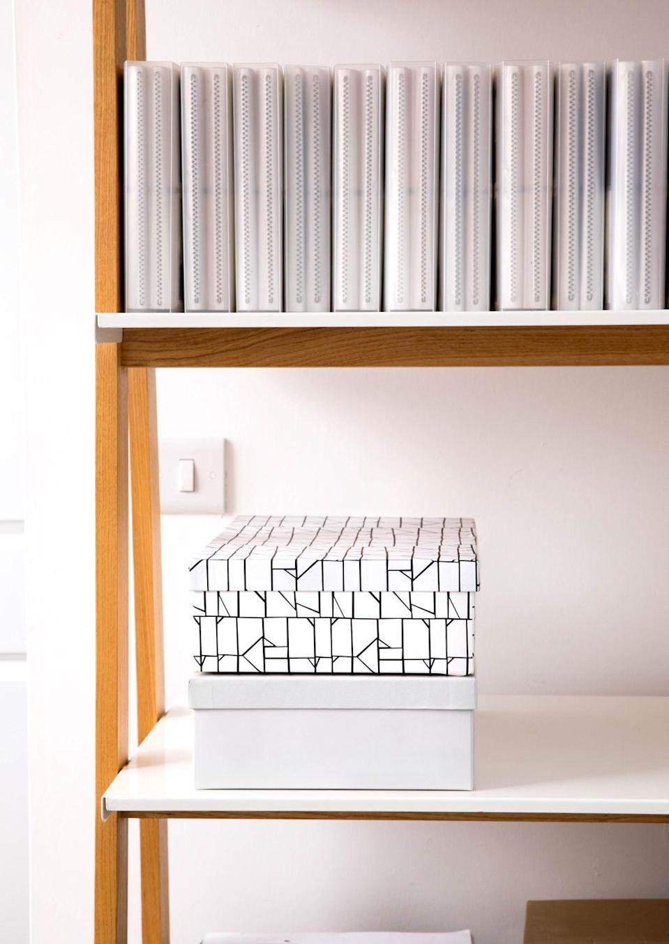 <p>Banish clutter for good with this stylish storage box duo. Organising your home doesn't have to be expensive — at just £2, this set from Poundland's range shows just how it can be done. </p>