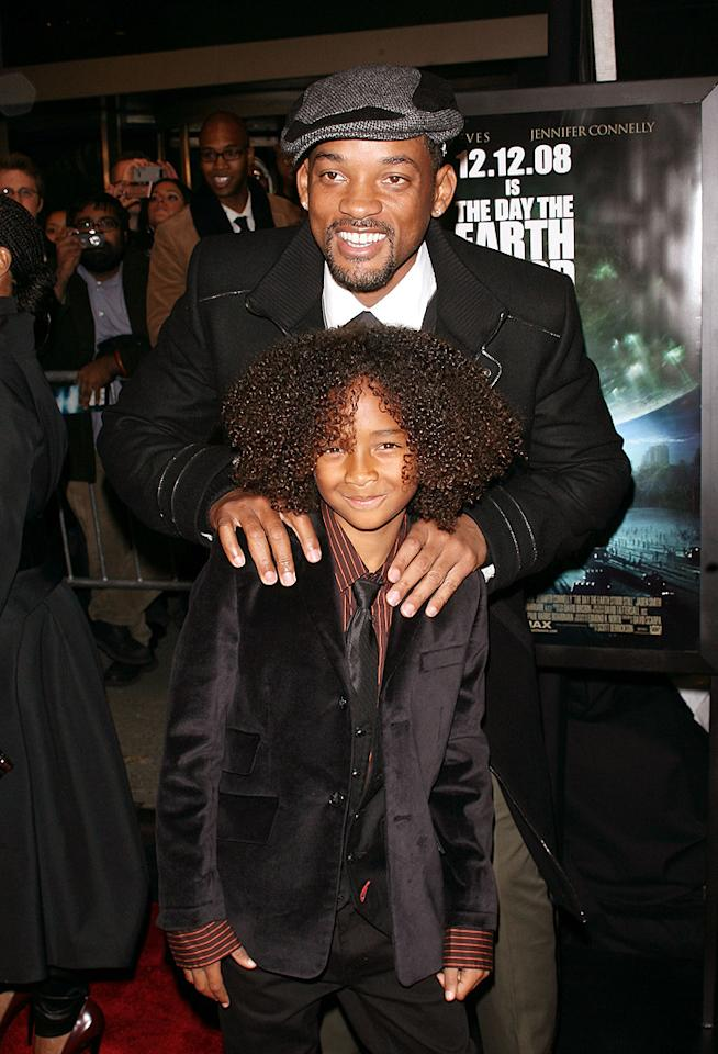 """<a href=""""http://movies.yahoo.com/movie/contributor/1800019959"""">Will Smith</a> and son Jaden Smith at the New York premiere of <a href=""""http://movies.yahoo.com/movie/1809966785/info"""">The Day the Earth Stood Still</a> - 12/09/2008"""
