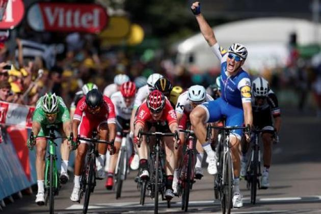Kittel bursts through to win Tour de France stage six