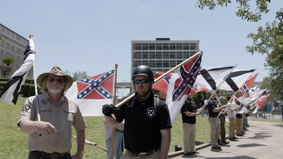 Right wing extremists gather to protest the removal of the Robert E. Lee monument in Louisiana (Photo: Paavo Hanninen)