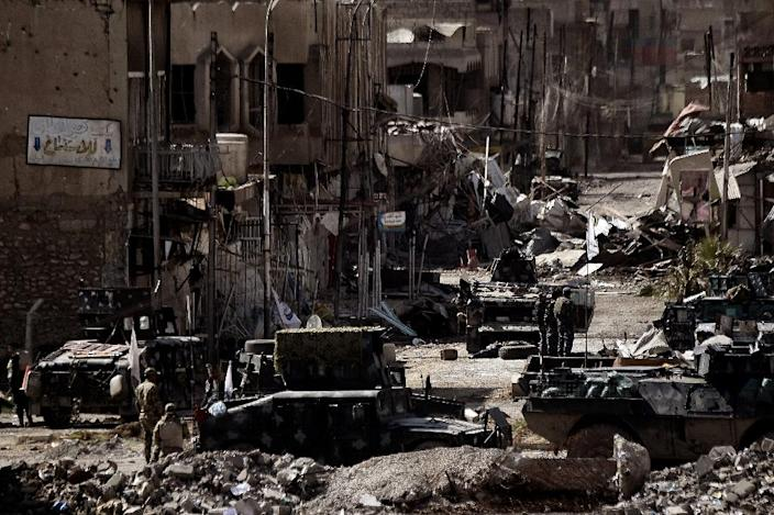 The latest clashes bring Iraqi security forces closer to West Mosul's densely populated Old City (AFP Photo/ARIS MESSINIS)