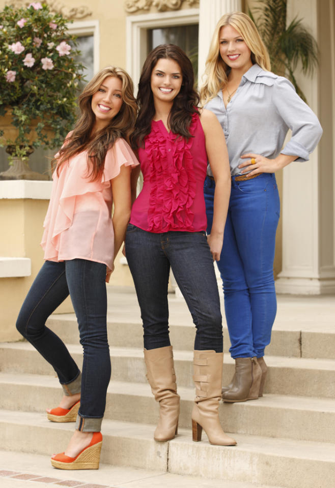 <p><b>Beverly Hills Nannies</b> (Wednesday, 7/11 on ABC Family)<br><br> Pretty much what the title says. It's a reality show about nannies who work in 90210 for wealthy families.</p>
