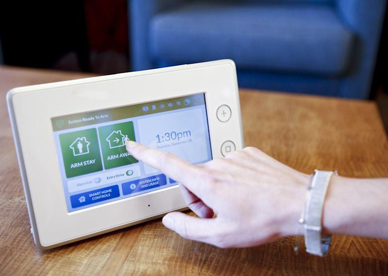Samsung and adt release smart home security system view photos samsung and adt are teaming up to sell a diy smart home security system solutioingenieria Gallery