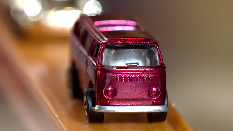 The rare pink rear-load Volkswagen beach bomb. (Photo: Yahoo Lifestyle)