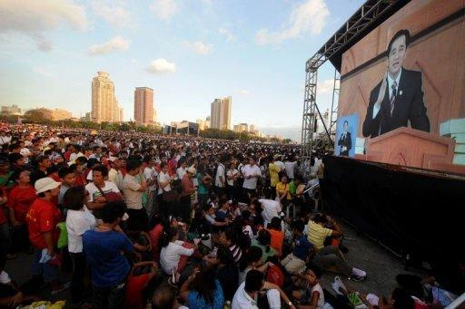 Iglesia ni Cristo (Church of Christ) members gather at the Quirino grandstand for a rally in Manila. About a million members of the influential sect held rallies in the Philippines, police said, in a show of force amid perceived political tension with once staunch ally President Benigno Aquino