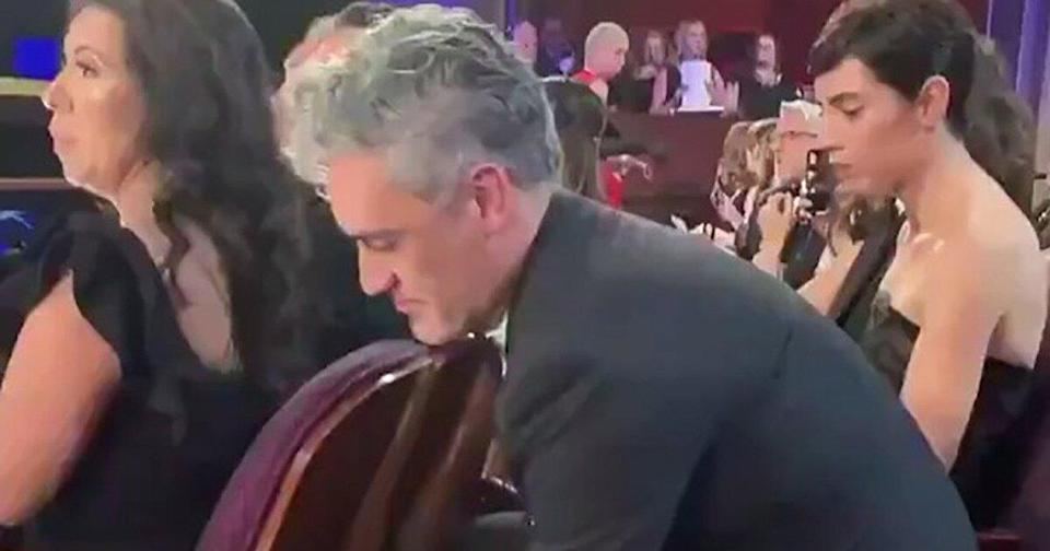 Oscars: Brie Larson Catches Taika Waititi Storing His Award Under a Seat — What You Didn't See on TV