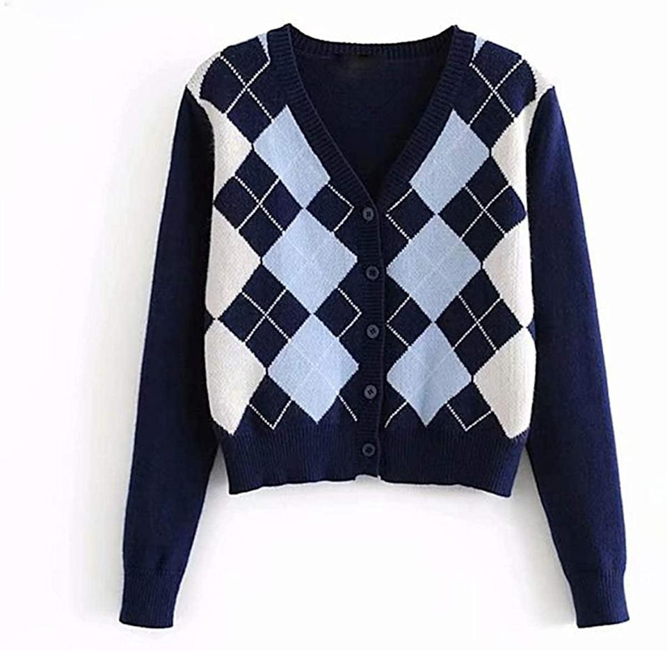 <p>Embrace the academia aesthetic with this <span>Sllsky Argyle Pattern Long Sleeve Sweater Cardigan</span> ($24).</p>