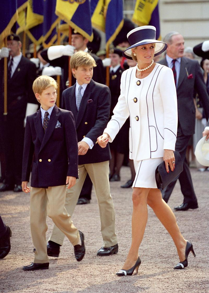 Diana, The Princess Of Wales And Princes William And Harry Attend The Vj Day 50Th Anniversary Celebrations In London. (Photo by Antony Jones/Julian Parker/UK Press via Getty Images)