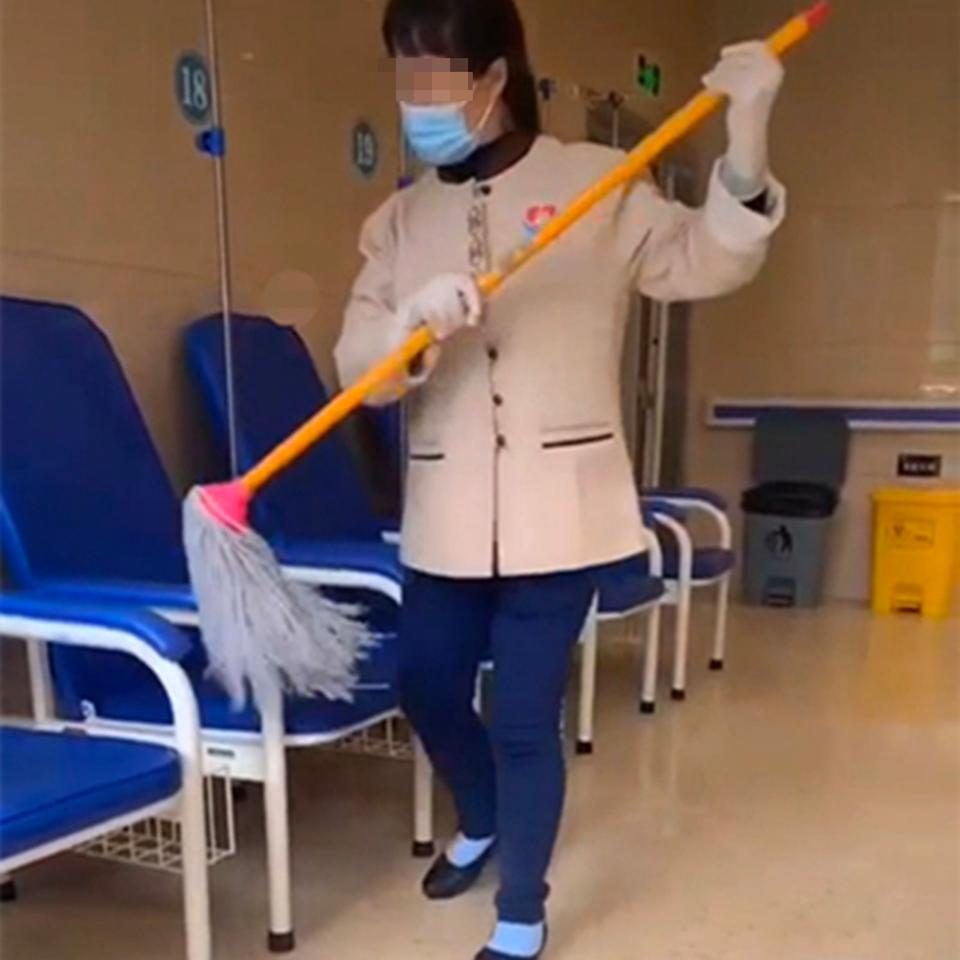 The worker has since lost her job over the incident while her employee has been fined. Source: Weibo