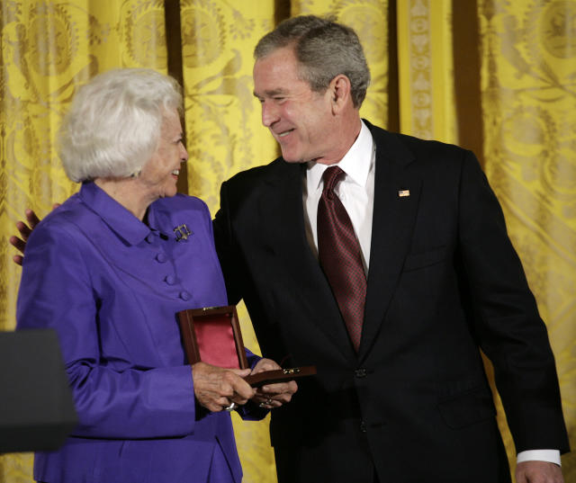 Then President George W. Bush with retired Supreme Court Justice Sandra Day O'Connor after a ceremony in her honor, Feb. 10, 2008. (Photo: Yuri Gripas/Reuters)