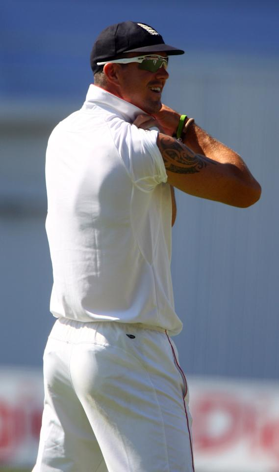 KINGSTON, JAMAICA - FEBRUARY 06:  Kevin Pietersen of England shows off one of his tatoos to the crowd during day three of the 1st Test between The West Indies and England played at Sabina Park on February 6, 2009 in Kingston, Jamaica  (Photo by Julian Herbert/Getty Images)