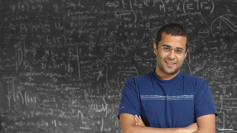 How Do Chetan Bhagat, Durjoy Datta & Co Work Magic With Readers?