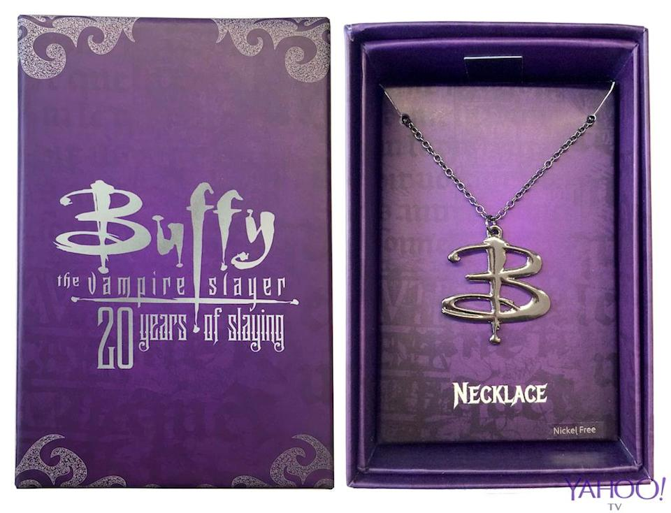 <p>This necklace… (Credit: SG@NYC) </p>